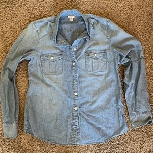 Jcrew Denim Shirt. Size medium! Worn once!